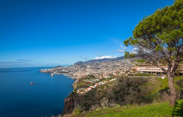 Vuelos baratos a Funchal